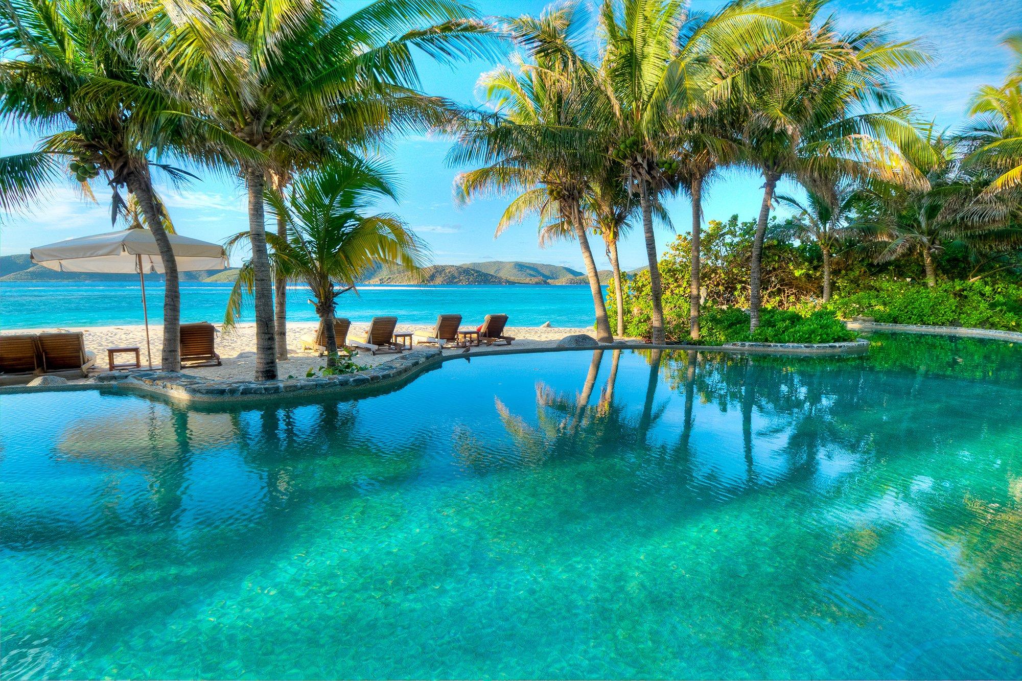 Necker-island-beach-pool-infinity